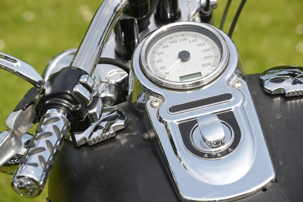 Metric Cruiser vs  Harley Davidson: Can you tell the difference?